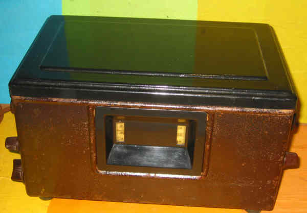 peinture craquel e sur m tal. Black Bedroom Furniture Sets. Home Design Ideas