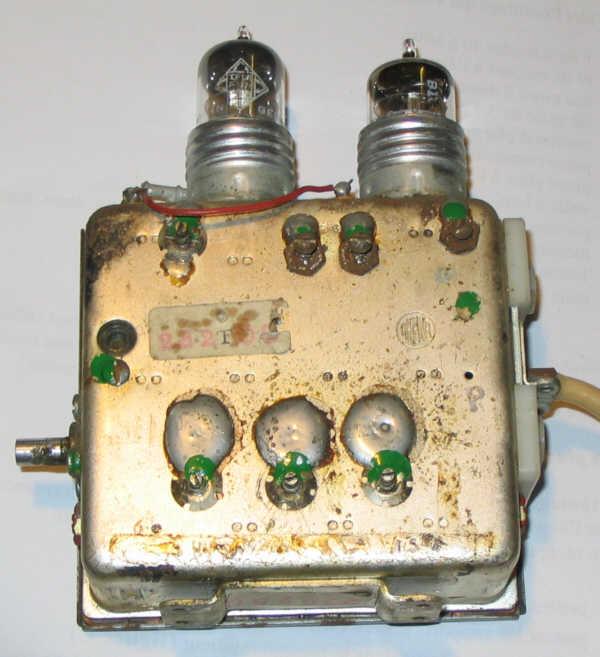Et ça quest-ce que c'est donc hein ? Réponse une EC88 Triode UHF PG_DH35-tuner